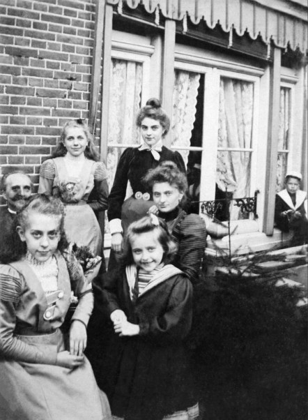 On the 18th of October 1900 an anonymous photographer made this portrait of an unknown family in Zeeland, the Netherlands.