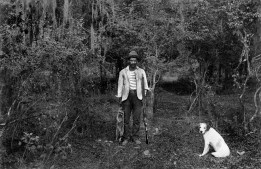 Picture taken near Natchitoches, Louisiana, USA, in the 1910s by the Dutch photographer P. H. van Son. In the early 20th century, P. H. van Son, who originated from the town of Oirschot in the province of Brabant, the Netherlands, lived and worked in Louisiana for some years. His American archive is part of our collection.