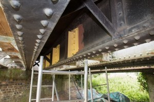 Bridge 13: 1999-2001 structural elements cleaned & repainted in a contrasting colour. Work carried out by Nationwide Building Society volunteers on 17th June 2015. Photo: John Bannister