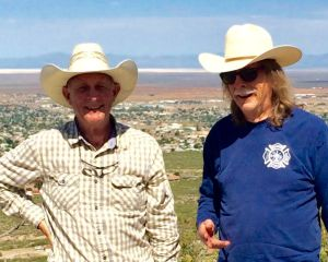 Meet the Borderland Brothers - Jim and Bob Storch