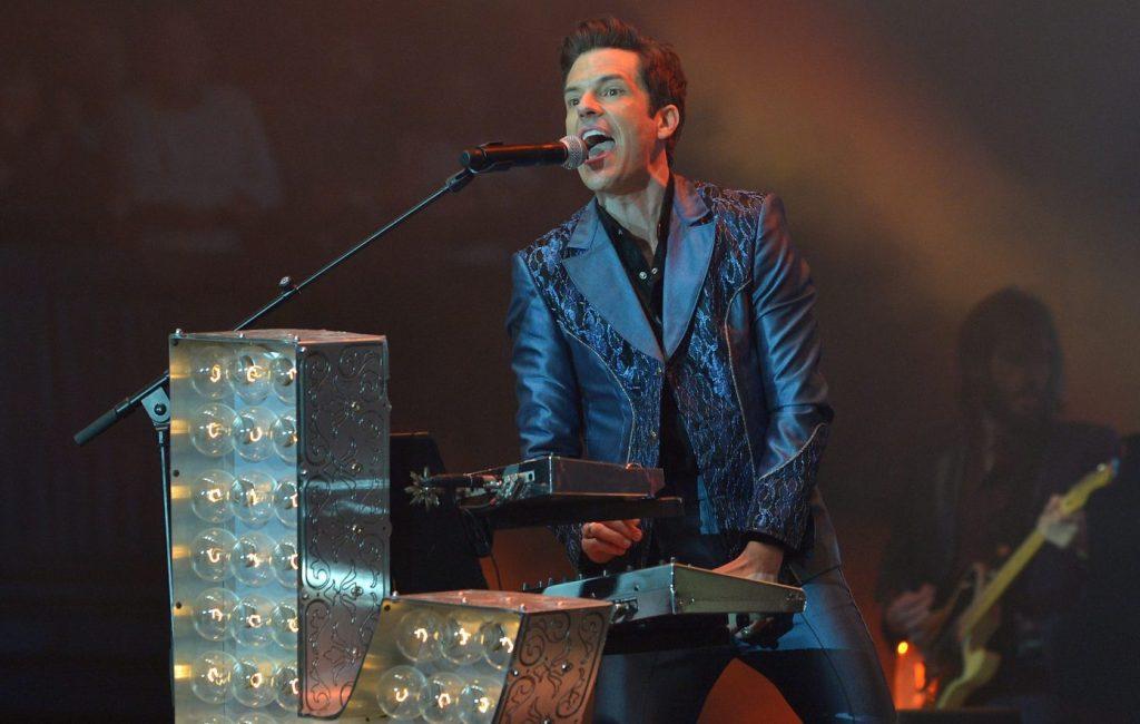 Brandon Flowers zegt dat de Britse tour van The Killers 'er niet geweldig uitziet'