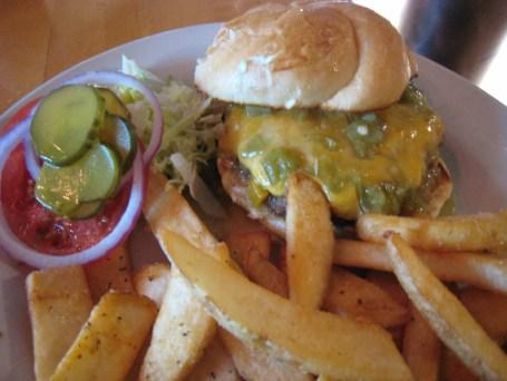 Green chile cheeseburger