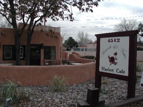 In the spring of 2006, Hannah & Nate's Market Cafe launched its second restaurant, this time in Corrales.