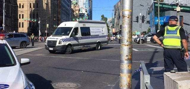 بيان الشرطة الأسترالية حول حادثة الطعن في ملبورن | يحدد هوية الجاني الذي استخدم سيارة مُحملة بالغاز وعمد إلى الطعن المُتعدد