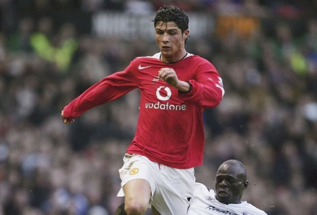شاهد بالصور أفضل لاعبين أجانب لعبوا بالدوري الإنكليزي الممتاز