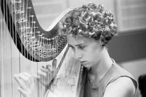 Charlotte Balzereit (Harfenistin Wiener Philharmoniker)