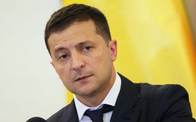 """Зеленського на форумі """" Україна 30″ супроводжували більше 20 охоронців і не тільки: вжито безпрецедентні заходи безпеки"""