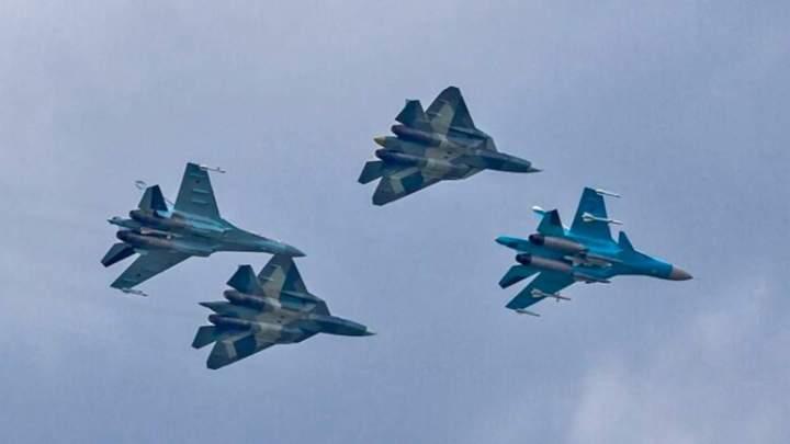 """У НАТО попередили авіацію РФ: не збираємося першими приймати """"удар в щелепу"""""""