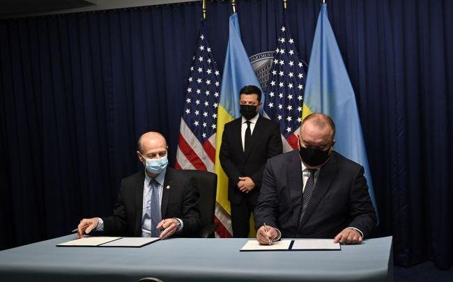 Візит Зеленського : Україна і США підписали меморандум про будівництво енергоблоку Хмельницької АЕС