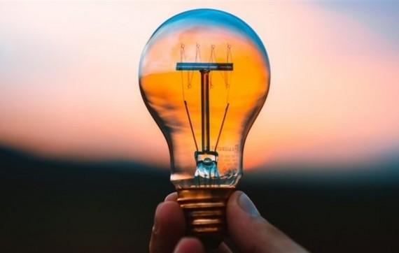 Які наслідки може мати рішення Зеленського і РНБО: Платіжки за світло можуть вирости до 5 грн/кВт·год