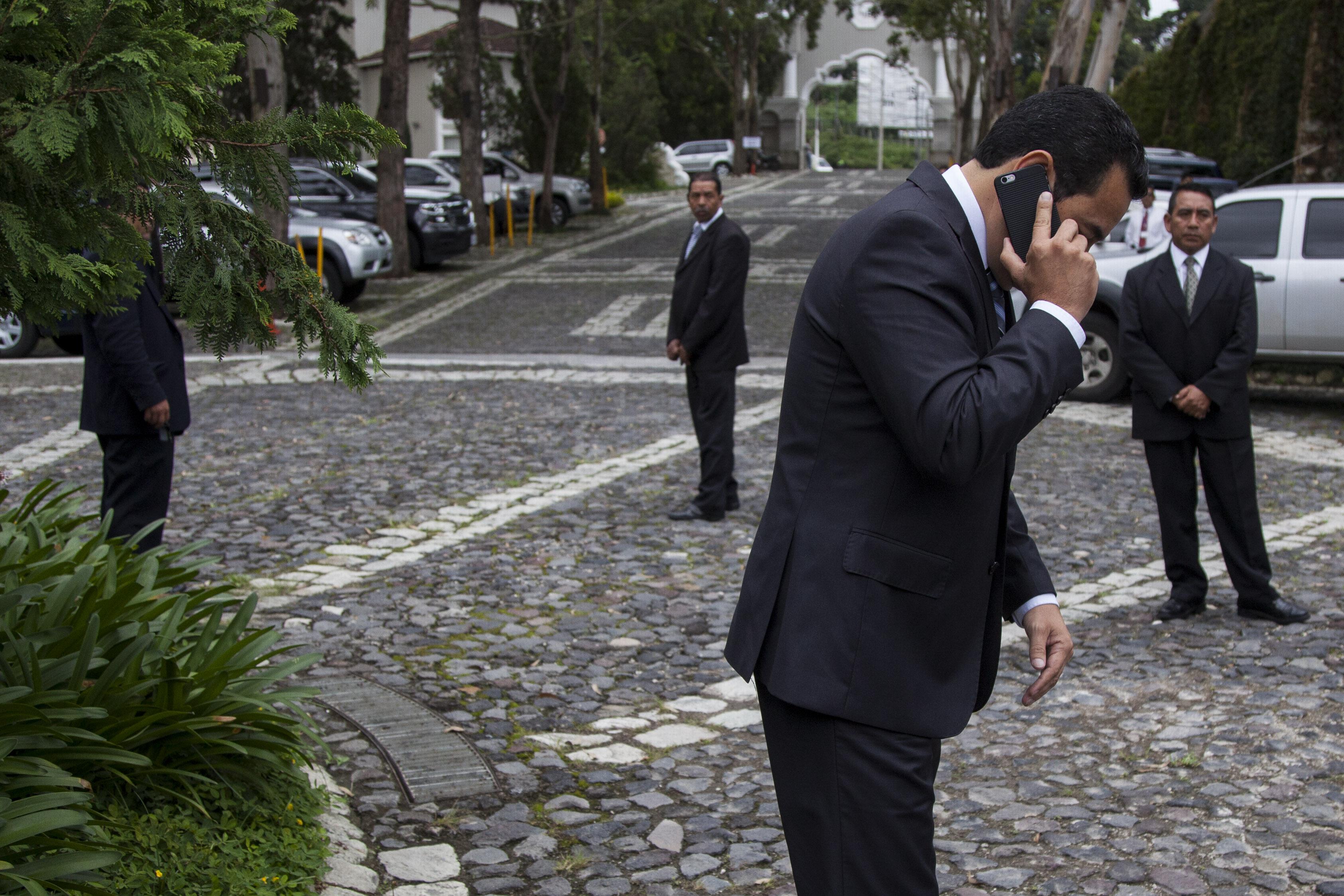Agentes de la SAAS protegen al Presidente de Guatemala Jimmy Morales