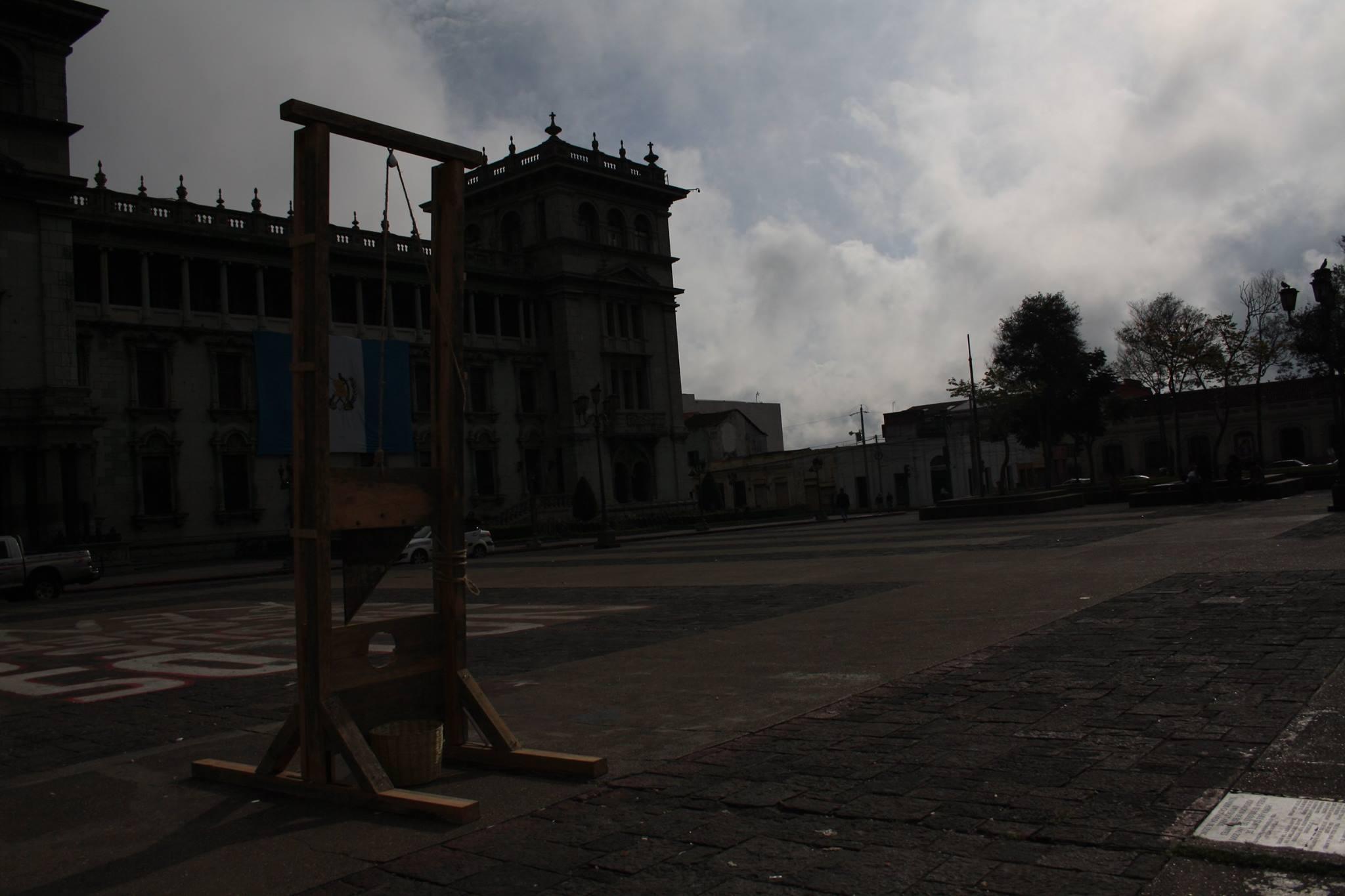 guillotina jorge de león