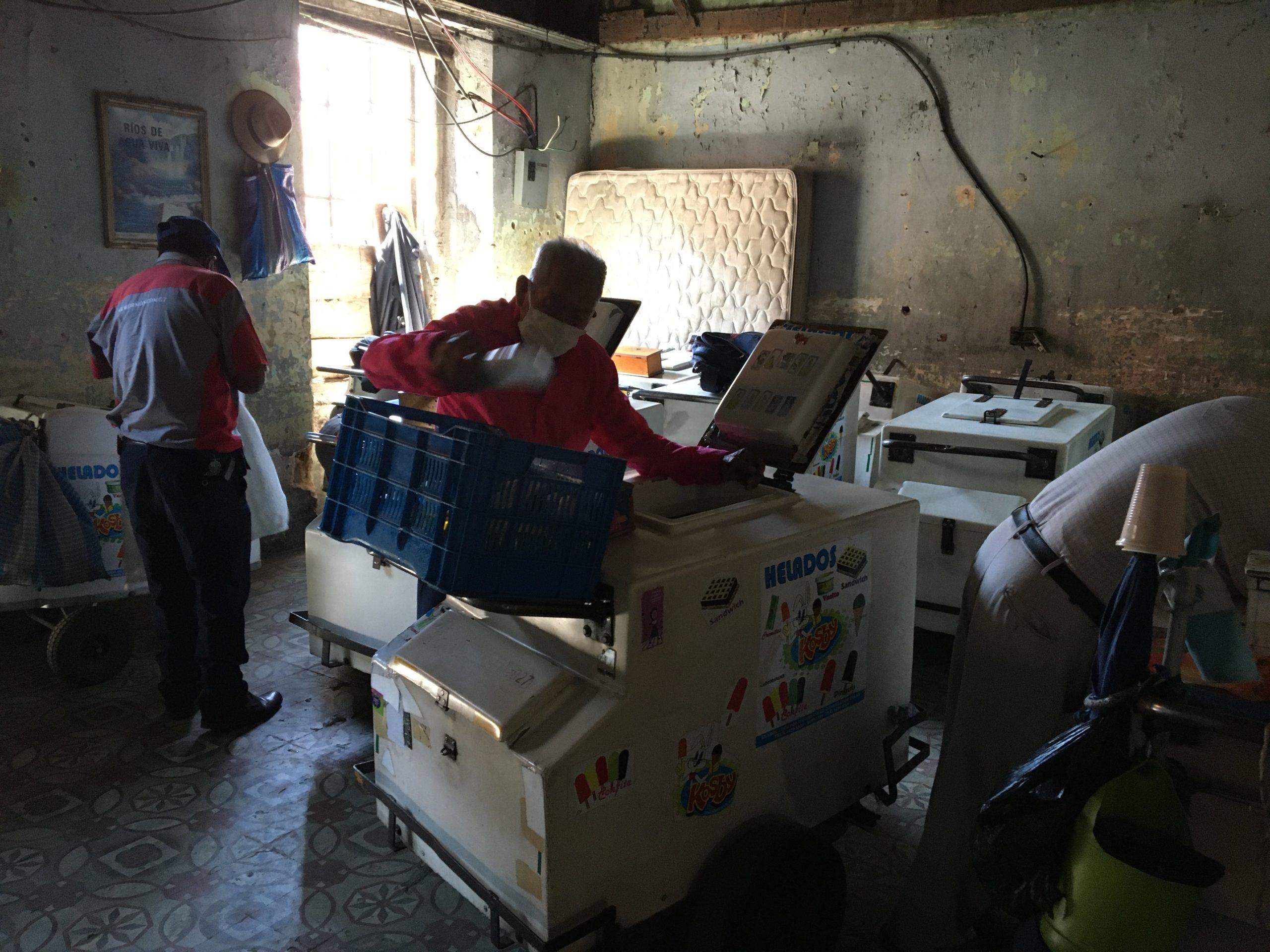 Sobreviviendo a la pandemia con un carrito de helados