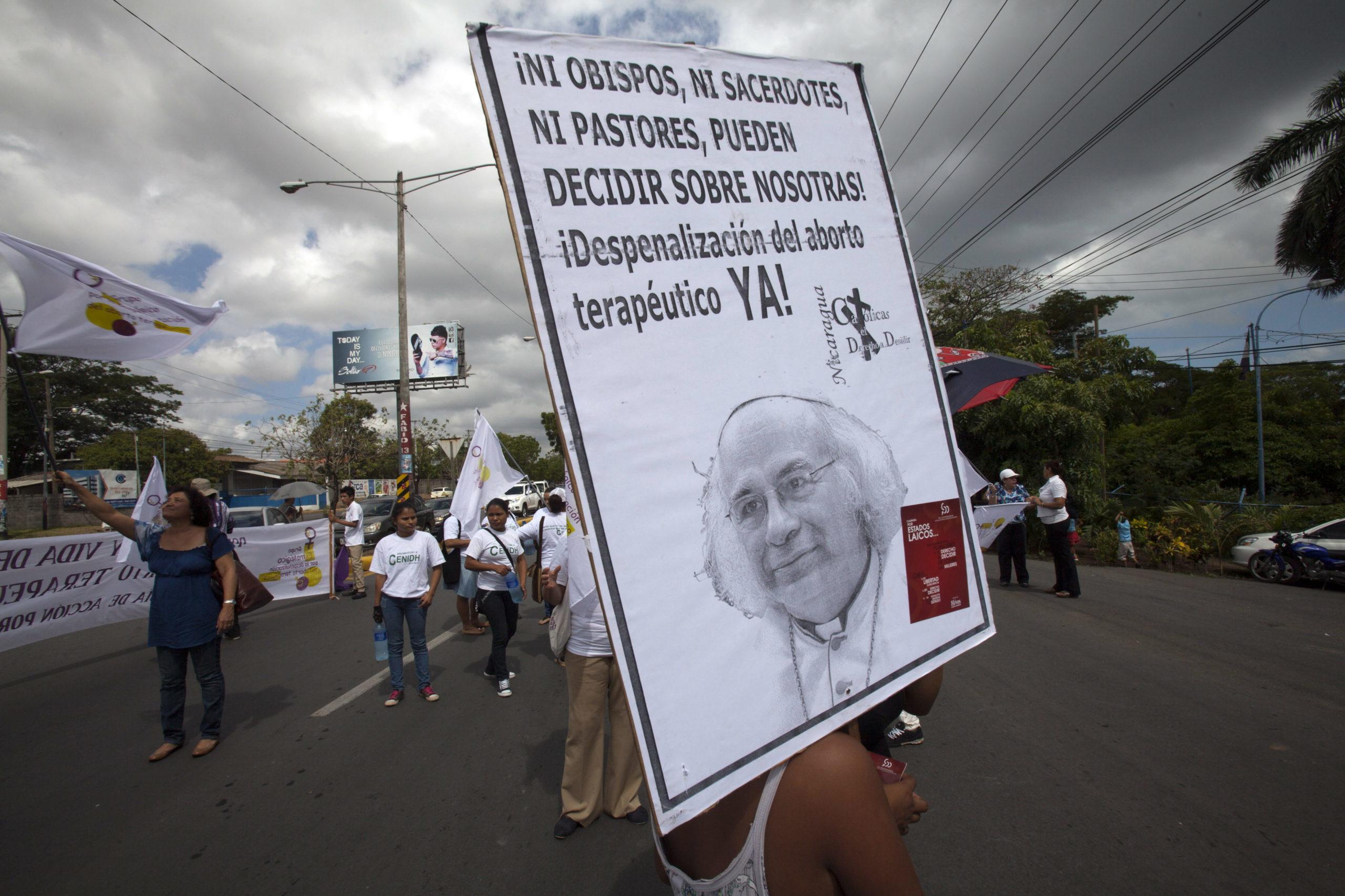 MUJERES SE MANIFIESTAN PARA RESTITUIR LA FIGURA DEL ABORTO TERAPÉUTICO EN NICARAGUA