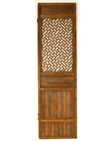 Antique Chinese garden lattice door with geometric forms | Zhejiang, Eastern China