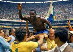 jogadores-da-selecao-brasileira-comemoram-a-vitoria-por-4-a-1-sobre-a-italia-na-final-da-copa-do-mundo-de-1970-no-estadio-azteca-mexico-1319284668787_564x430