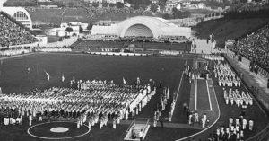 Evento cultural na inauguração do Pacaembu, em 1940. Imagem: Hildegard Rosenthal