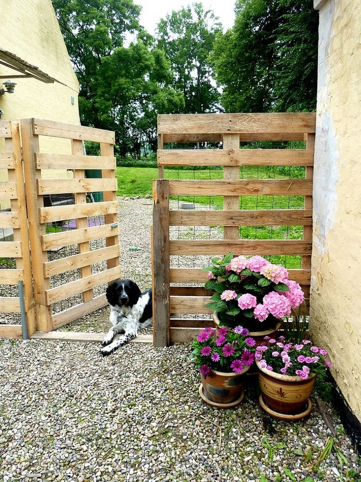 16 Clever DIY Garden Pallet Projects