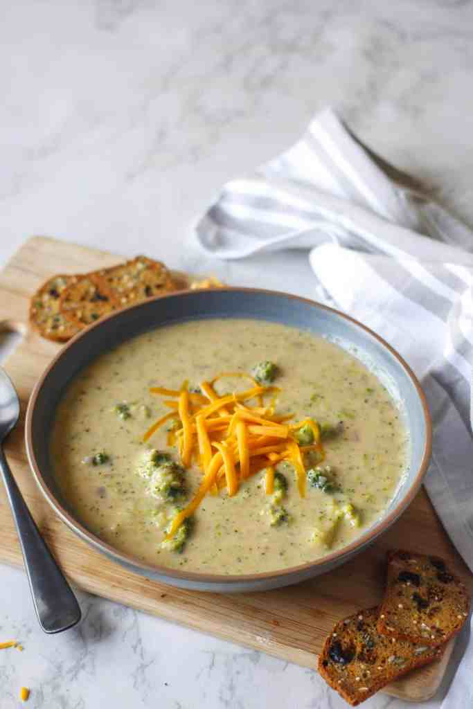 Vegan broccoli and cheese soup