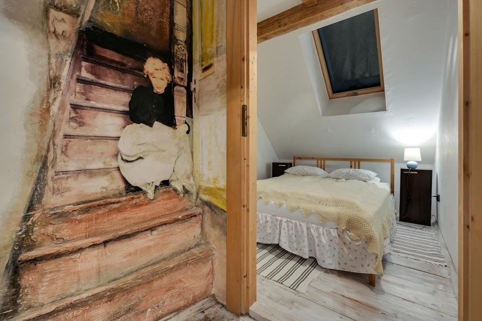 Sypialnia 1 w apartamencie Z Merlin Monroe.