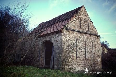 Stare klimatowe ruiny domu w Stanisławowie
