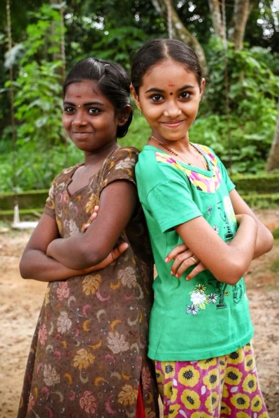 © Tissier. Namaste Girls