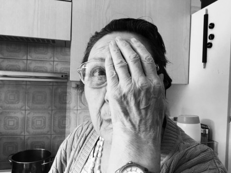 "La Tina: ""Ho male all'occhio"""