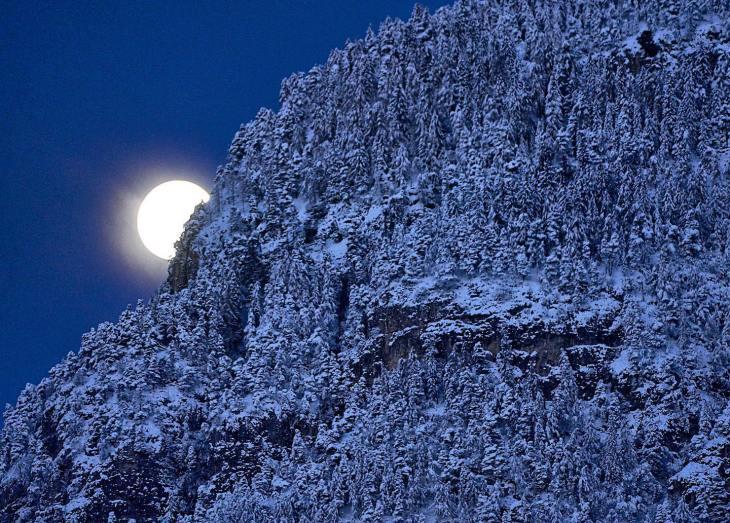 © John McDermott. Full Moonset Over Passo Mendola