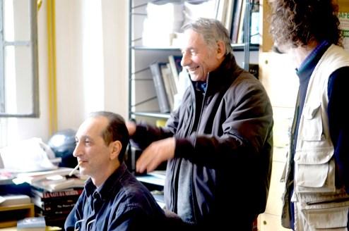 Mario Dondero e Maurizio Gariofalo nella redazione di Diario