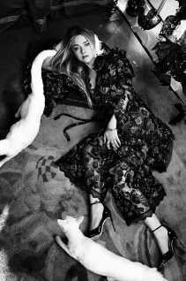 Dakota-Fanning-in-Vogue-Australia-February-2018-3