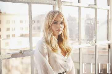 Sophie-Turner-Elle-photoshoot-2018-02