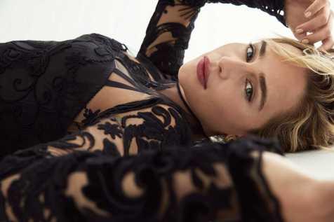 Emilia-Clarke-IO-Donna-Campaign-06