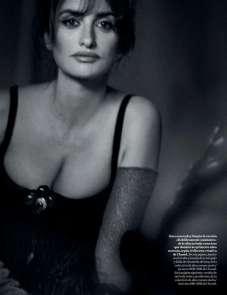 Penelope-Cruz-in-Vogue-Magazine-17