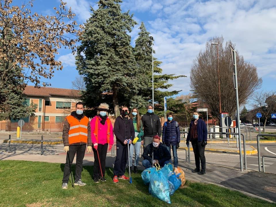 Veronesi al lavoro per ripulire i quartieri: le foto del fine settimana