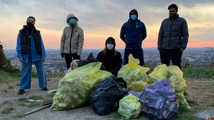 Giovani veronesi uniscono le forze per ripulire le aree verdi: nasce Ecospiracy