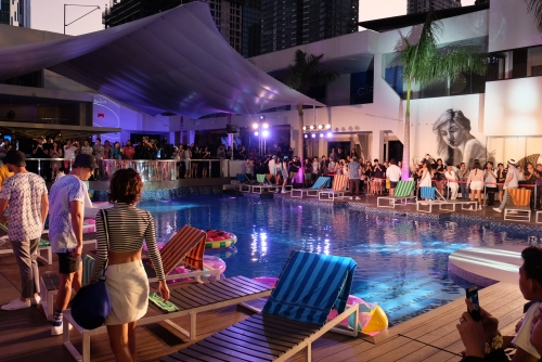 How to go to Uptown Center/The Palace Pool Club (#NoggyTips)