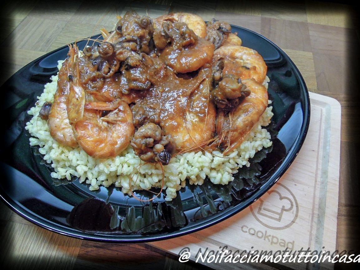Moscardini e gamberoni in guazzetto con riso aromatizzato