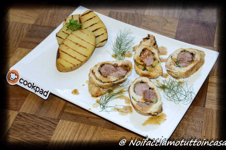 Rollè di pollo farcito con zucchine grigliate e salsiccia di coniglio!