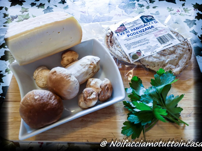 Panigacci-taleggio-e-funghi-porcini