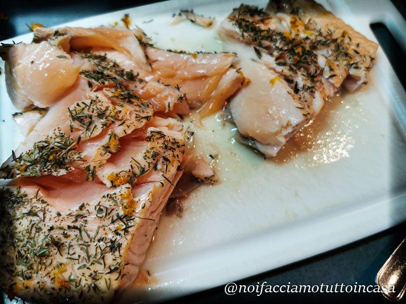 Piadina senza glutine con salmone e ceci