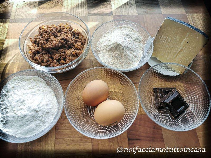 pappardelle al cioccolato fondente con ragu di cinghiale