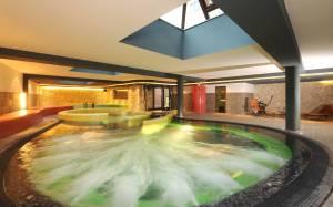 Hotel-Palota-fürdő
