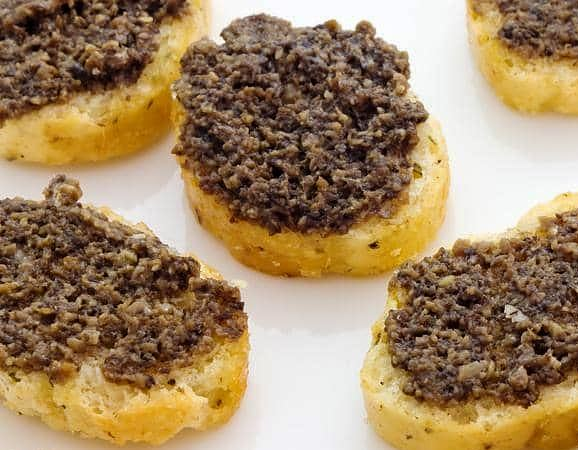 Crostini with Norcia black truffle