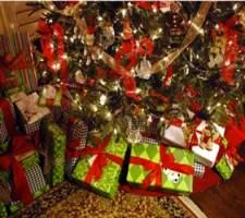 albero-di-natale-doni-giocattoli