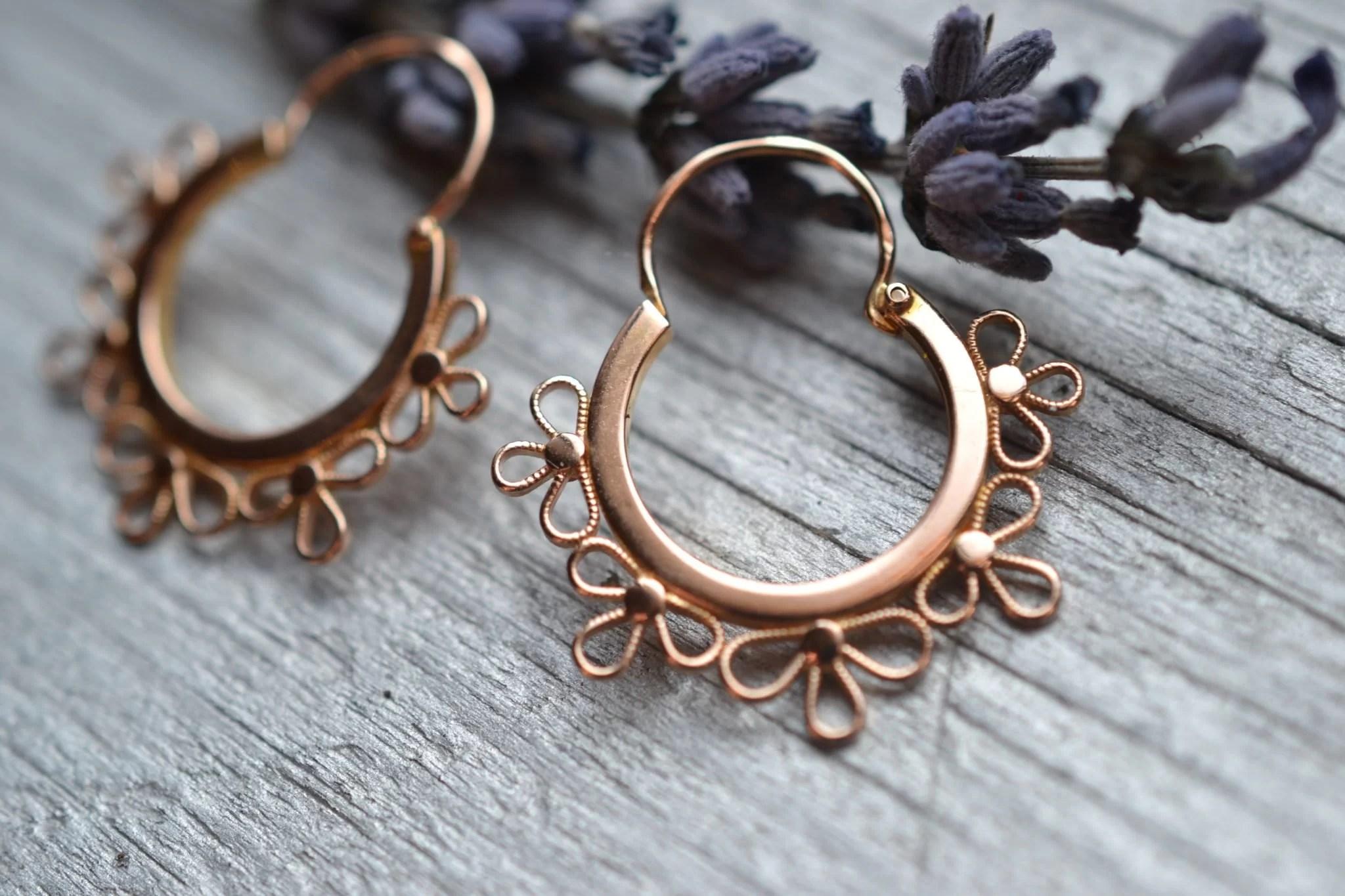 créoles boucles d'oreilles forme fleurs en 0r 18 carats 750:1000 vintage occasion