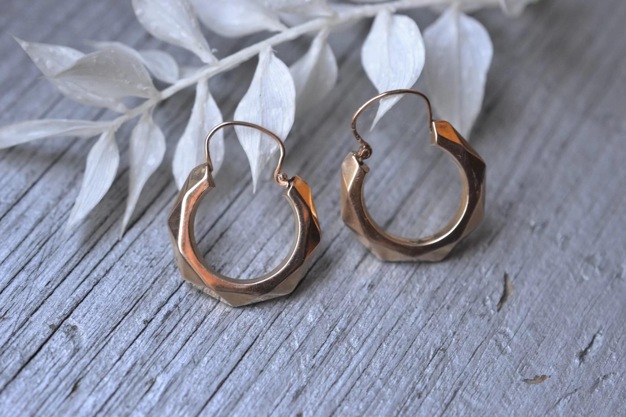 boucles d'oreilles créoles facettées - bijoux anciens - boucles d'oreilles époque - en Or 18 carats