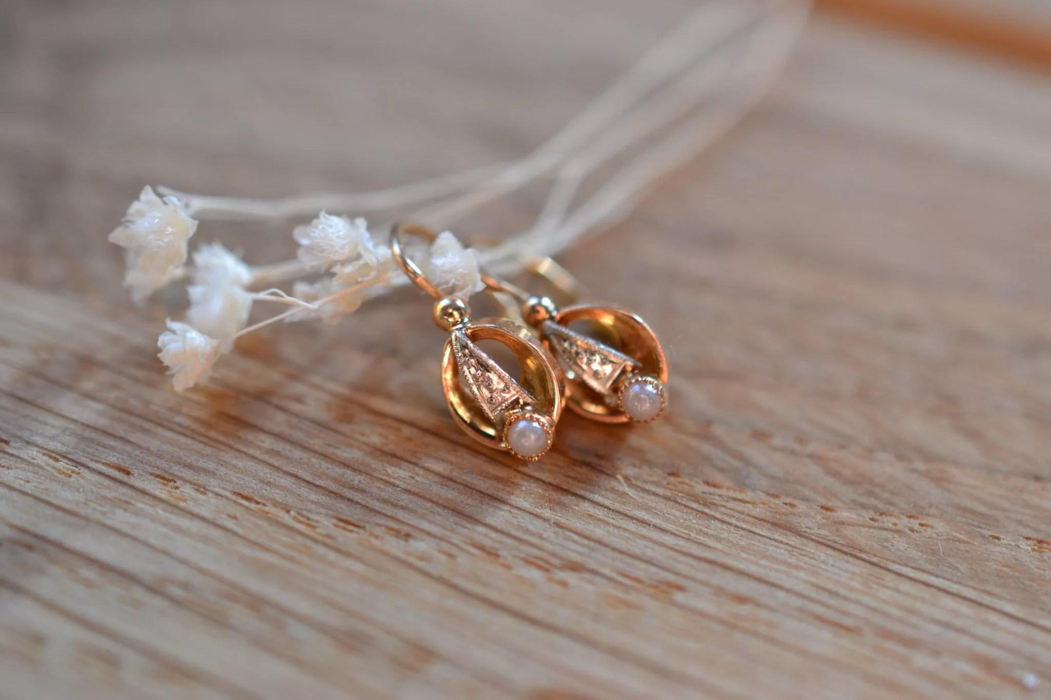 Dormeuses Anciennes En Or Et Perles - En Or 18 Carats 750:1000 ) Boucles D'oreilles Vintage
