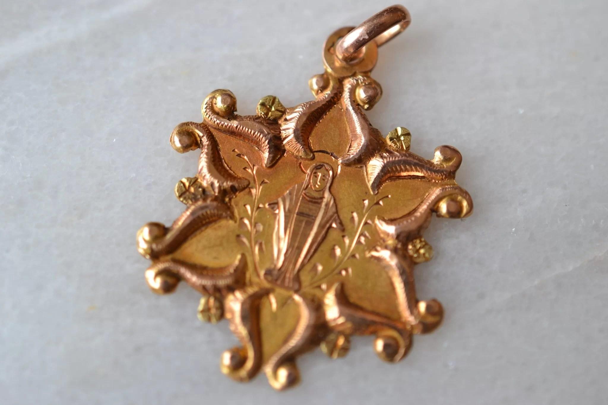 medaille étoile vierge - bijoux anciens en Or - bijoux ecoresponsables