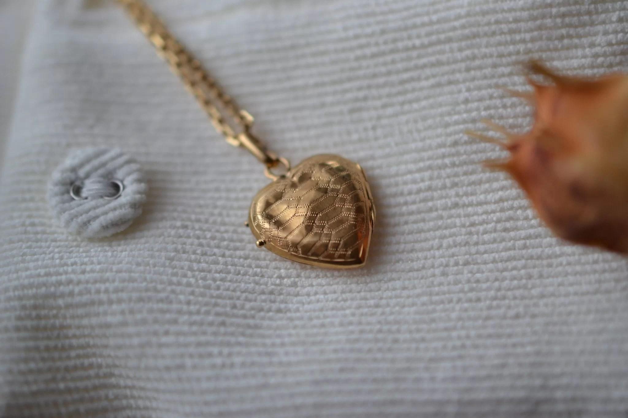 Pendentif ouvrant en forme de cœur en Or jaune - pendentif ancien