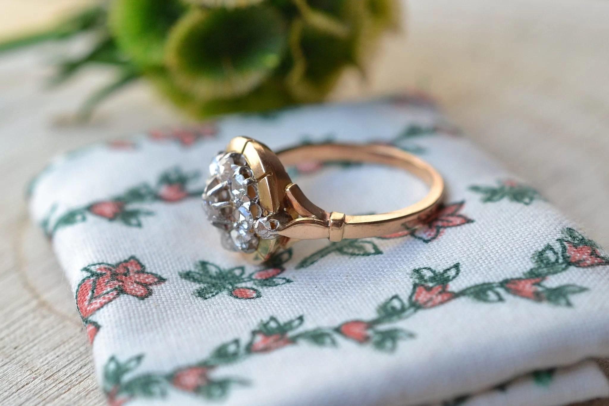 Bague en Or jaune enrichie de diamants - bague ancienne